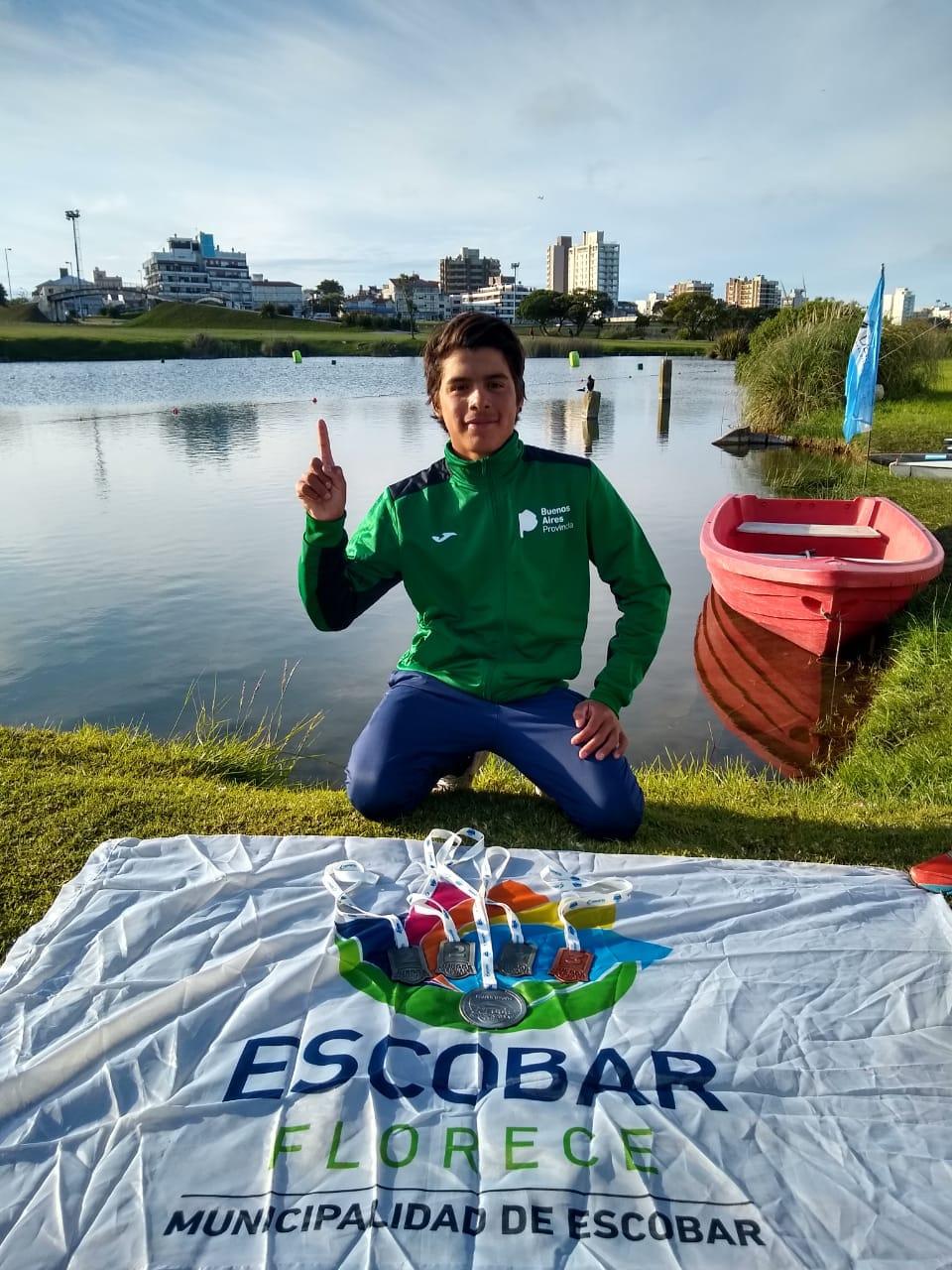 Juegos Evita: Arredondo ganó tres medallas de plata y una de bronce en Canotaje