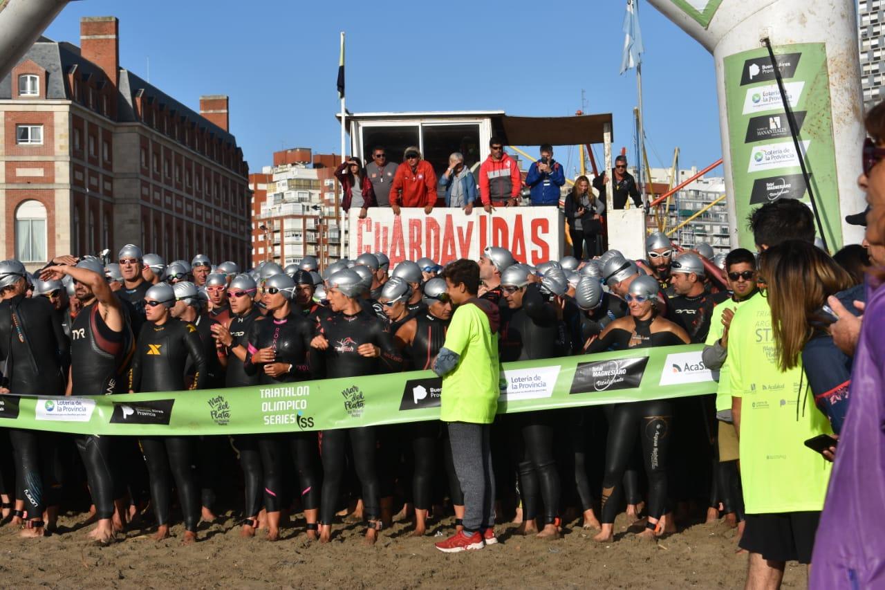 Yanina Minaglia se lució en el Triatlón Olímpico de Mar del Plata