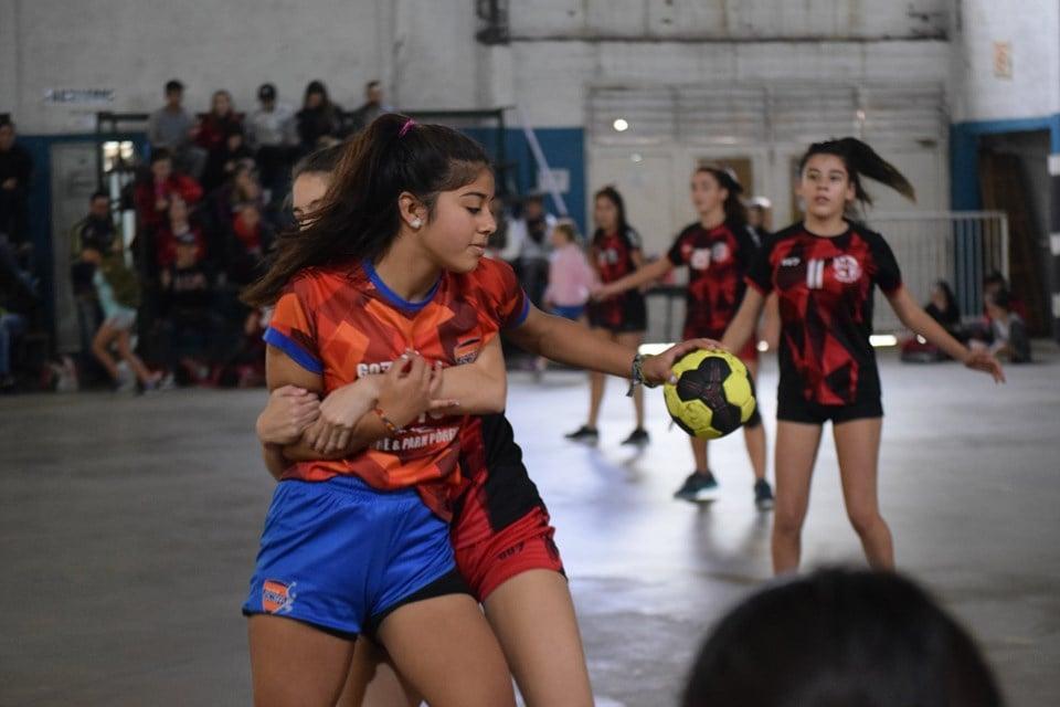 Handball: altibajos en inferiores y buenas perfomances en mayores