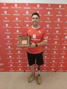 Amílcar Guerra, recibió el reconocimiento de Independiente, el club de sus amores