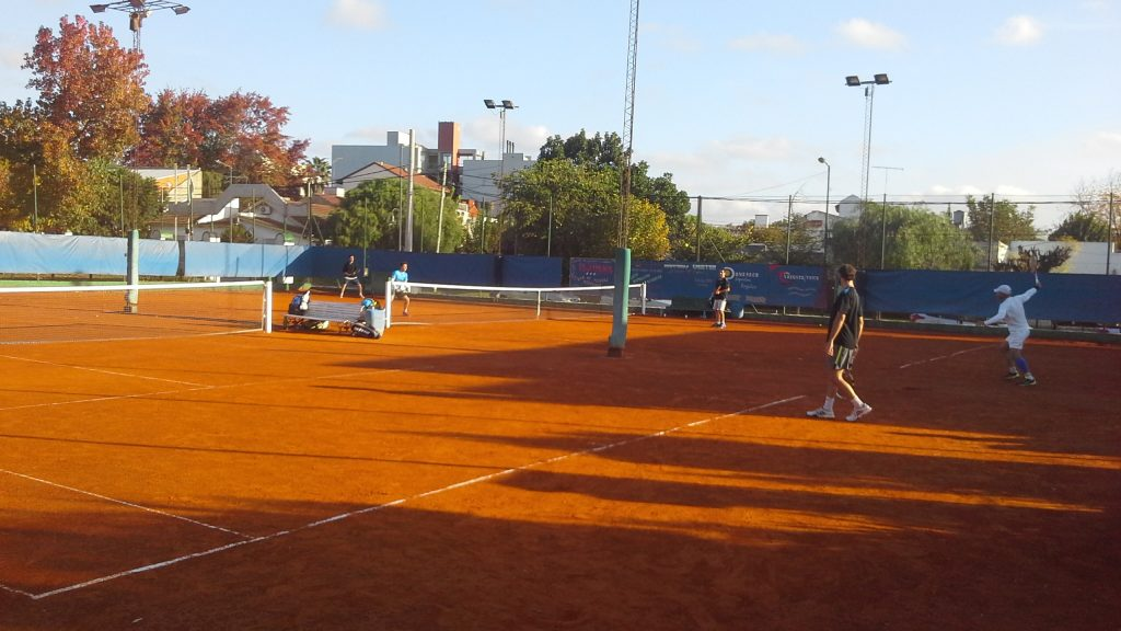 Independiente, abre el campo de deportes  para la práctica de tenis con protocolo